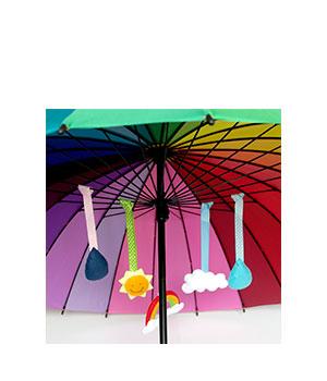 Lavinamasis skėtis su veltiniais rankų darbo žaisliukais