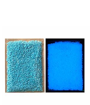 Tamsoje šviečiantys kristaliukai (10 g)